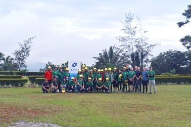 OiP Treeplanting group photo before